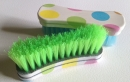 brush-face-polk-a-dot-green